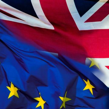 La Unión Europea está dispuesta a alargar un año más el periodo transitorio tras el Brexit