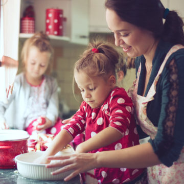 Niños cocinillas: por qué la afición a la gastronomía es buena para su salud
