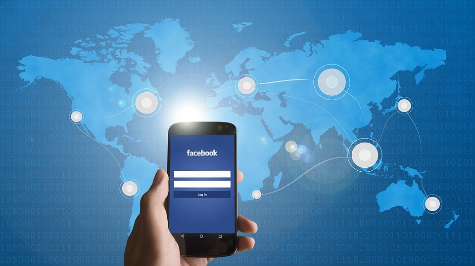 Quince años de Facebook: empresa de futuro, red social decadente