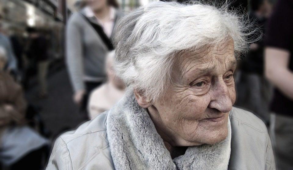 El acompañamiento profesional, clave para el bienestar de personas dependientes en España