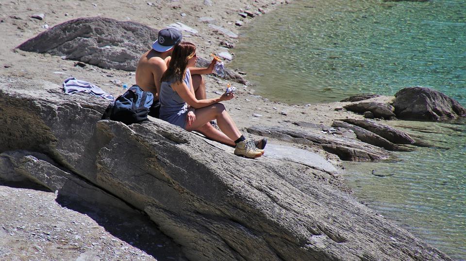 1 de cada 5 españoles no se protege bien del sol (y lo sabe)