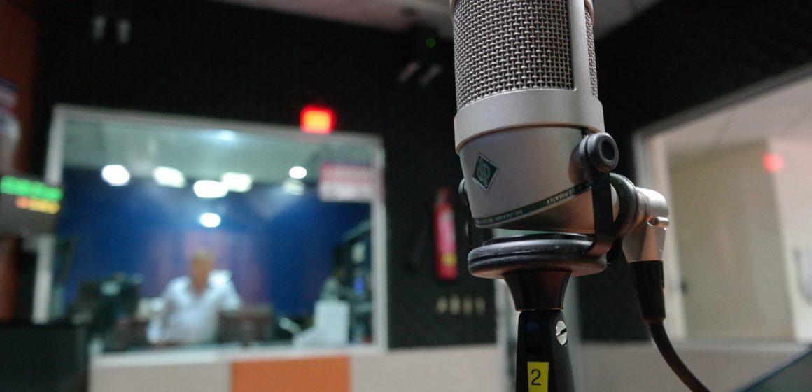 LA RADIO: NUESTRA MEJOR COMPAÑERA