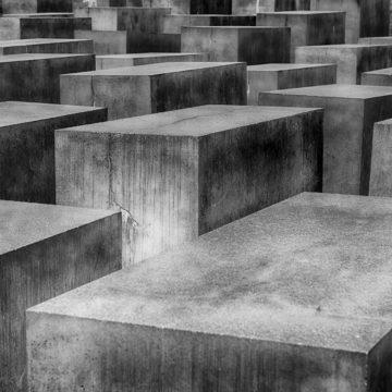 HOLOCAUSTO: NO OLVIDAR PARA NO REPETIR